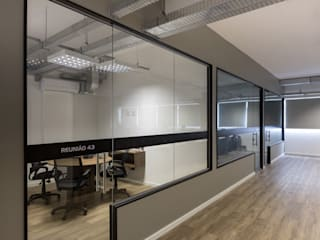 Commercial Spaces by Mundstock Arquitetura, Modern
