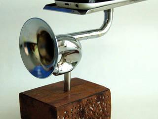 Ouvir musica com o toque do requinte exclusivo por QueLindo - Arte Decorativa Eclético