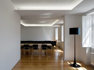 Casa Príncipe Real Salas de jantar minimalistas por BICA Arquitectos Minimalista
