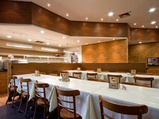 Costela Premium Ribs - Shopping Nações Unidas Espaços gastronômicos modernos por Atmosfera Arquitetura Sociedade Ltda Moderno