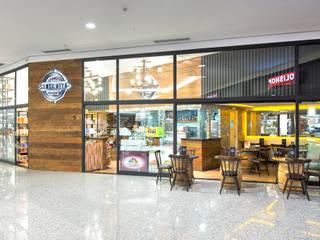 Empório Sinceitá - São Bernardo Plaza Shopping Lojas & Imóveis comerciais rústicos por Atmosfera Arquitetura Sociedade Ltda Rústico