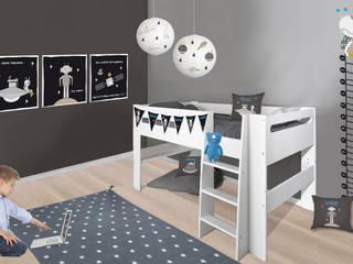 Chambre enfant avec lit surélevé noire et grise thème espace:  de style  par BABY'SPHERE