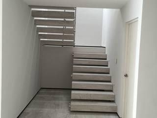 Teques 154 Pasillos, vestíbulos y escaleras modernos de SANTIAGO PARDO ARQUITECTO Moderno