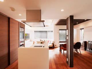 シックでのびやかな住空間で暮らす: 株式会社スタイル工房が手掛けたです。
