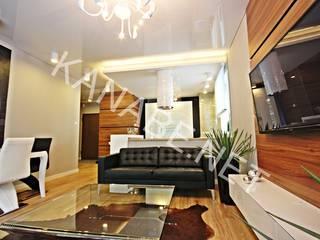 Drewno Beton Szkło: styl , w kategorii Salon zaprojektowany przez KANABE