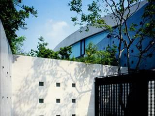 U RESIDENCE モダンな 家 の Mアーキテクツ|高級邸宅 豪邸 注文住宅 別荘建築 LUXURY HOUSES | M-architects モダン