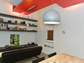 T Home Soggiorno minimalista di Stefano Panero Oddi Nyeusi Design Minimalista