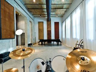 KML Recording Studio Sedi per eventi in stile industrial di Stefano Panero Oddi Nyeusi Design Industrial