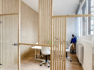 Transition Interior Design Bangunan Kantor Modern Kayu