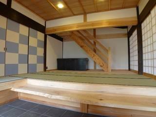 ทางเดินแบบเอเชียห้องโถงและบันได โดย 建築設計事務所 山田屋 เอเชียน