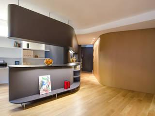 Living room by ROCAMORA DISEÑO Y ARQUITECTURA