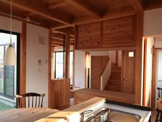 スギバコ オリジナルデザインの キッチン の 凰建設株式会社 オリジナル
