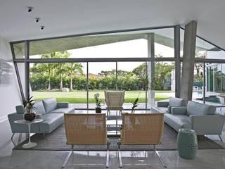 Modern living room by oda - oficina de arquitectura Modern