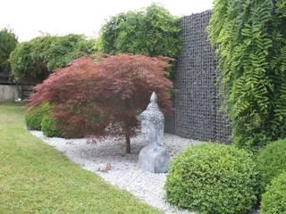 ZEN Garten mit Liebe zum Detail:  Garten von WOHNGLÜCK Immobilien