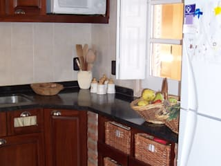 Rustic style kitchen by milena oitana Rustic
