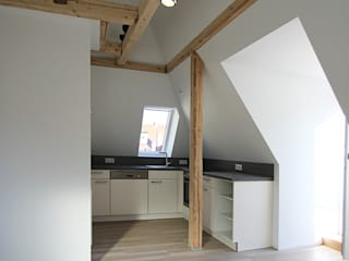 Dachgeschossausbau Moderne Küchen von tbia - Thomas Bieber InnenArchitekten Modern