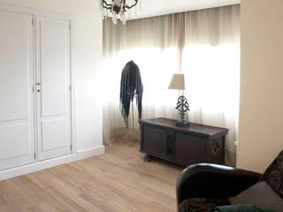 Phòng thay đồ phong cách đồng quê bởi TESTA studio Đồng quê