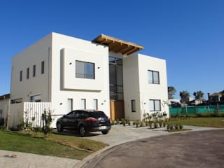 Modern houses by 2424 ARQUITECTURA Modern