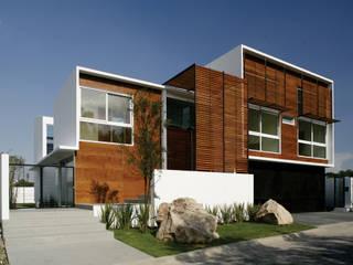 Casa Quince: Casas de estilo  por Echauri Morales Arquitectos