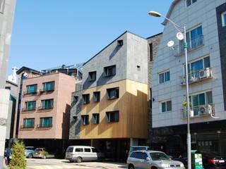 Modern houses by AAG architecten Modern