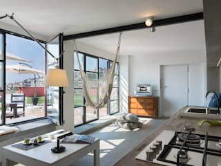 Terrace by architetto Lorella Casola, Industrial