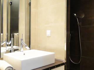 Vivienda en Salamanca Baños de estilo moderno de San-Pal Interiorismo Moderno
