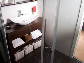 Reforma Integral Duplex, Madrid Baños de estilo clásico de Irene Corralo Clásico