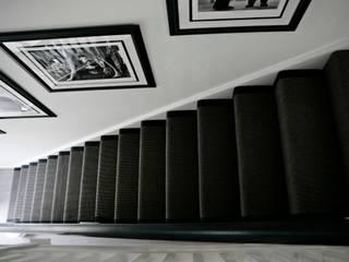 Boulevard, Chigwell:  Corridor & hallway by Boscolo