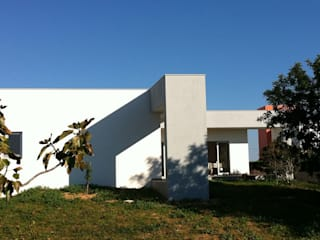 Maisons de style  par Arqnow, Unipessoal, Lda, Minimaliste