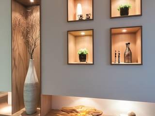 Pasillos, vestíbulos y escaleras de estilo moderno de Andréa Carvalho Arquitetos Associados Moderno