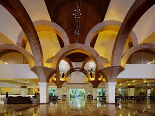 MC Design Eclectic style corridor, hallway & stairs Bricks White
