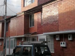 VIVIENDA DE INTERÉS SOCIAL CON CUBIERTA PLANA. Casas de estilo clásico de MVP arquitectos Clásico