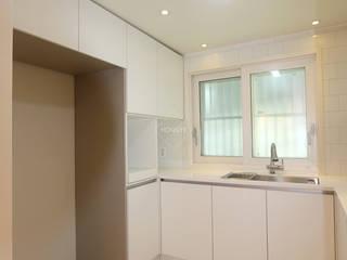 작은집 넓게 쓰는 빌라인테리어_ 20py: 홍예디자인의  주방
