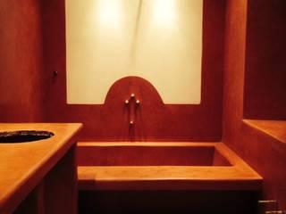 Parete prima della realizzazione della Sibilla: Bagno in stile in stile classico di Claudia Bambagioni