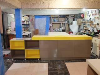 Bufetero:  de estilo  por Nesign - Diseño y fabricación de muebles.