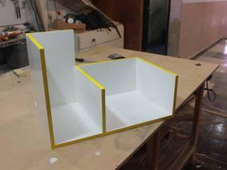 Repisa:  de estilo  por Nesign - Diseño y fabricación de muebles.