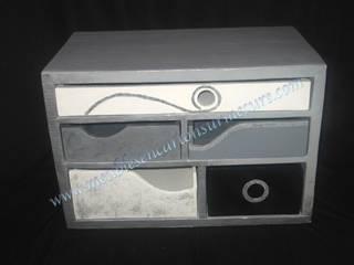 Petit meuble de bureau sur mesure Meubles en carton sur mesure