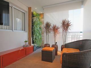 Varanda Apartamento Santana Varandas, alpendres e terraços rústicos por Officina44 Rústico