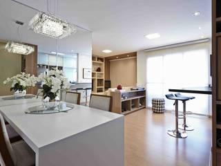 Modern Dining Room by grupo pr   arquitetura e design Modern