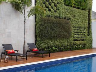 Residência Barra da Tijuca I Varandas, alpendres e terraços modernos por Carmen Mouro - Arquitetura de Exteriores e Paisagismo Moderno