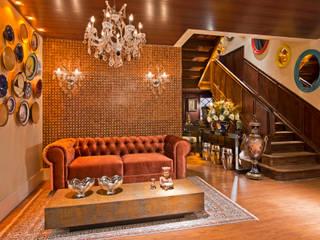 Livings de estilo  por Estúdio Pantarolli Miranda - Arquitetura, Design e Arte , Clásico Madera Acabado en madera