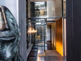 Modern Corridor, Hallway and Staircase by Arpadór, Arquitectos e Associados, lda Modern