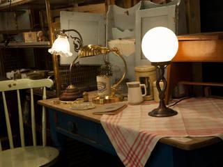 Antique Style Lighting: 株式会社サンヨウが手掛けたです。,
