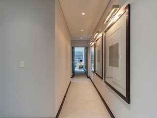 Classic style corridor, hallway and stairs by HO arquitectura de interiores Classic