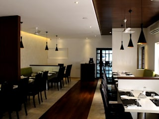 Gayatri Restaurant Minimalist hotels by ICON design studio Minimalist