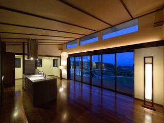 風の通る家: アーキペラゴデザイン一級建築士事務所が手掛けた廊下 & 玄関です。