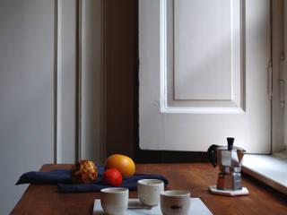 Collezione Home: Soggiorno in stile in stile Moderno di Peralia