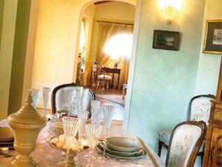 Casa da rivista : Sala da pranzo in stile  di ADI ARREDAMENTI