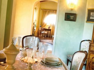 Casa da rivista Sala da pranzo in stile classico di ADI ARREDAMENTI Classico