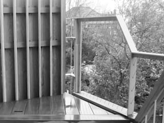 Fordwych Road Roof Terrace:  Terrace by Gruff Limited
